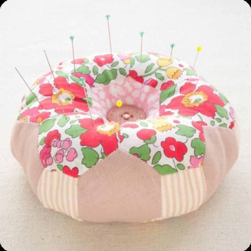 Doughnut-Hexagon-Pincushion-Pattern-Kit