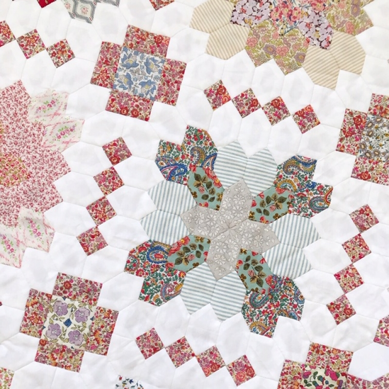 Patchwork-Of-The-Crosses-quilt-club-lucy-boston-quilt